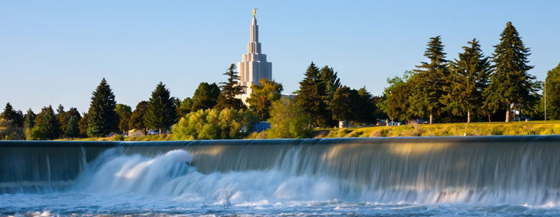 A temple in Idaho Falls, Idaho